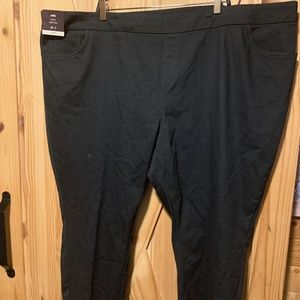 Ava & Viv Ankle Mid-rise Slightly fitted Pants Bla